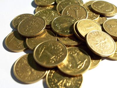 rozsypane monety jednogroszowe
